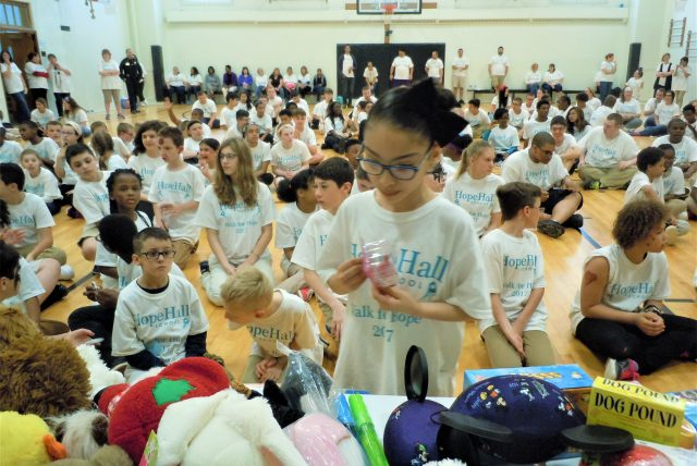 Call for Gifts In-Kind for Our Top Walk for Hope Student, Faculty, & Staff Fundraisers